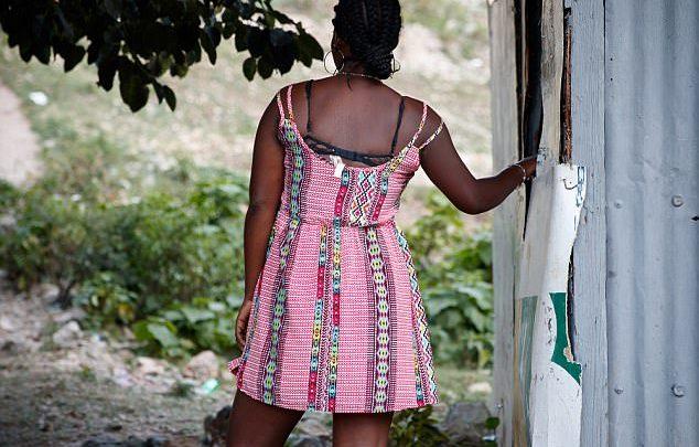 De dos lex prostituée déclarant avoir couché deux fois par semaine pendant six mois avec le patron dOxfam en Hai