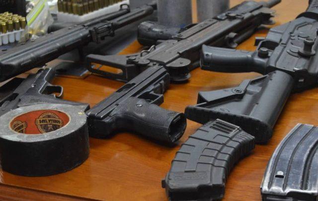 Saisie d'armes et de munitions par la PNH1