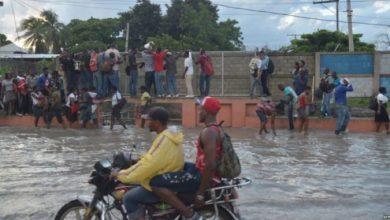 Haiti Airport Flooded 700x393 678x381 credit News784