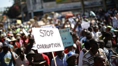 corruption manif credit World Economic Forum