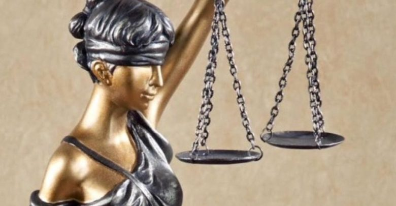 lawyer gift lady justice blind 1 ee01ba8d0f514d8643025b10eda03af7 credit WorthPoint